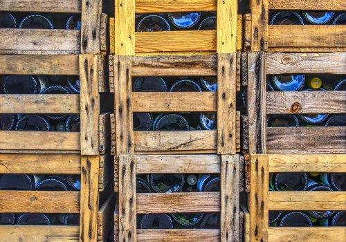 wine-bottles-3126498_1920